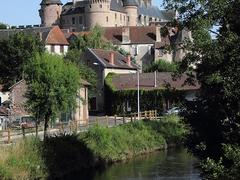 Le château et la Besbre
